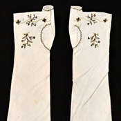 Embroidered mitts, American, 1790–1800